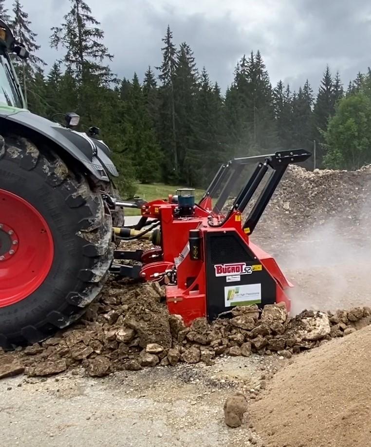 Concassage de pierres pour une entreprise dans le Jura bernois